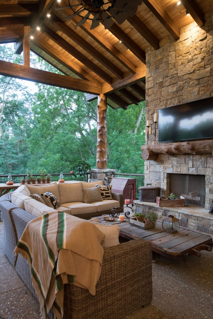 Outdoor Living Spaces Custom Luxury Home Builder - Ashner Construction Company, INC. Our innovations are tomorrow's standards. Call Ashner Construction to build your custom home (913) 685-3101.